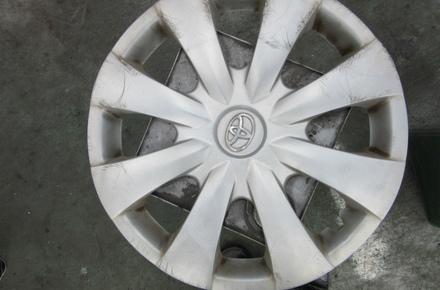 トヨタ オーリス 車検 ホイールカバー 塗装サービス