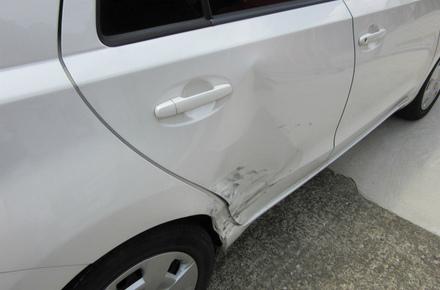 トヨタ イスト 鈑金・塗装 保険